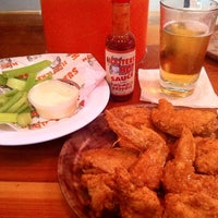 Photo taken at Hooters by edisonv 😜 on 8/18/2011