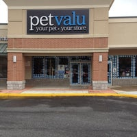Photo taken at Pet Valu by Ron T. on 4/23/2012