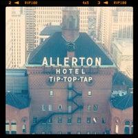 Photo taken at Warwick Allerton Hotel Chicago by Rosie S. on 8/17/2012