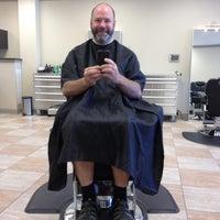 Das Foto wurde bei Piedmont Barbers von Eric M. am 5/10/2012 aufgenommen