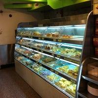 5/5/2012 tarihinde Stoph'sziyaretçi tarafından Fay Da Bakery'de çekilen fotoğraf
