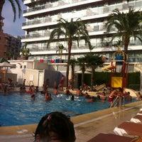 Foto tomada en Hotel RH Bayren Parc Gandía por Co el 8/23/2012