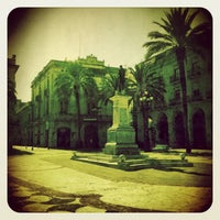 Foto tomada en Plaça de la Vila por Xavi P. el 8/22/2012