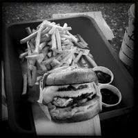 Photo taken at In-N-Out Burger by Eliot S. on 2/10/2012