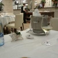 Foto tomada en Restaurant Aradi por Monica C. el 8/27/2012