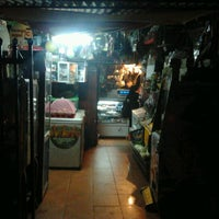 Photo taken at Donde la vieja carera by Pato I. on 6/10/2012