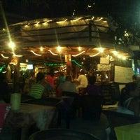 Foto tomada en Fah Restaurant Bar por Alizia C. el 7/9/2012
