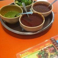 Foto tomada en Taqueria Arandas por Jose Luis el 8/18/2012