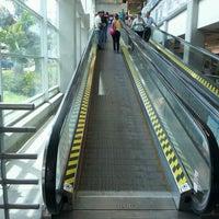 Foto tomada en Homecenter y Constructor Bucaramanga por Cristian el 7/5/2012