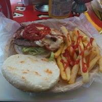 Foto tomada en Rocking Burgers por Mario V. el 8/12/2012