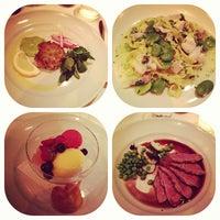 รูปภาพถ่ายที่ Chez Panisse โดย @HungryEditor B. เมื่อ 5/22/2012