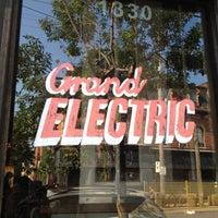 6/20/2012 tarihinde Tim G.ziyaretçi tarafından Grand Electric'de çekilen fotoğraf