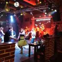 Foto scattata a Glastonberry Pub da Alexander B. il 7/14/2012