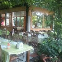 8/31/2012 tarihinde Ilker U.ziyaretçi tarafından Halil'in Yeri Burak Restaurant'de çekilen fotoğraf