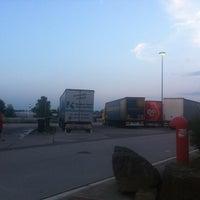 Photo taken at Raststätte Kraichgau Nord by flow1 on 7/28/2012