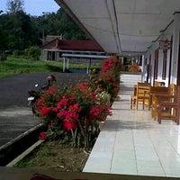 Photo taken at Fakultas Ekonomi UNIMA by Chiqa K. on 9/12/2012