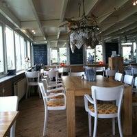 Photo taken at Strandhotel en Restaurant Noordzee by Erik v. on 8/31/2012