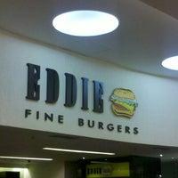 Photo taken at Eddie Fine Burgers by Vinicius G. on 9/8/2012