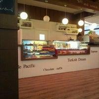 9/1/2012 tarihinde cevahir a.ziyaretçi tarafından Robert's Coffee'de çekilen fotoğraf