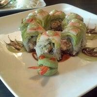 Photo prise au Yuri Japanese Restaurant par Jacquie S. le4/14/2012