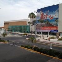 Foto tomada en Galerías Guadalajara por Alexander Q. el 5/10/2012