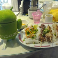 Photo taken at Vancouver Vietnamese Restaurant by Stephen F. on 6/23/2012