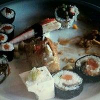 Foto tirada no(a) Sukiyaki por Alex G. em 4/20/2012