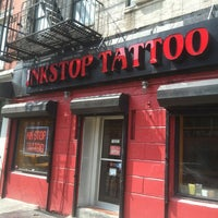 Foto tomada en Inkstop Tattoo por Dave H. el 3/23/2012