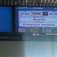 Photo taken at Portão 5 by Carmen G. on 9/10/2012