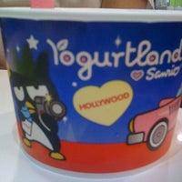 Photo taken at Yogurtland by James H. on 7/11/2012