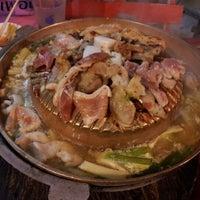 Photo taken at ล้าน 8 หมูกระทะ-ส้มตำ by Bar B. on 8/15/2012
