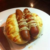 Foto tirada no(a) Bellapan Bakery por Victor A. em 9/5/2012