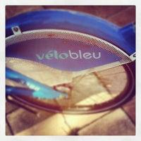 Photo taken at Vélo Bleu (Station No. 26) by Iarla B. on 7/16/2012