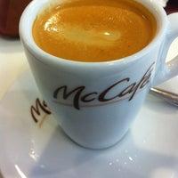Photo taken at McCafé by Nilson P. on 7/11/2012