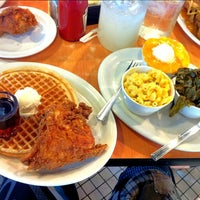 Photo taken at Lo-Lo's Chicken & Waffles by Balto W. on 8/5/2012