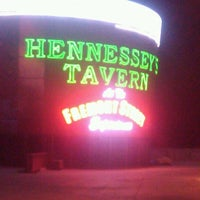 Photo taken at Hennessey's Tavern by Henry J. on 8/11/2012