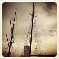 8/19/2012 tarihinde Ria B.ziyaretçi tarafından Binnen IJ'de çekilen fotoğraf