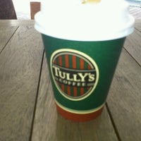 Photo taken at TULLY'S COFFEE 早大理工店 by Seiji M. on 8/10/2012