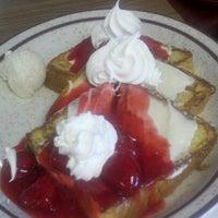 Das Foto wurde bei Omega Pancake House von Ryan C. am 6/16/2012 aufgenommen