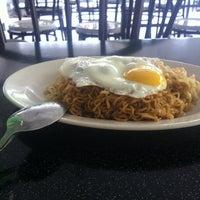 Photo taken at Restoran As-salam Bistro by Koh K. on 5/24/2012