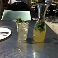 Das Foto wurde bei Café.Restaurant Halle von Ewan T. am 5/19/2012 aufgenommen