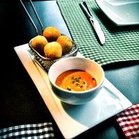 Foto tomada en Restaurante Lakasa por Carlos J. el 3/22/2012