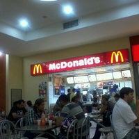 Photo taken at McDonald's by Laís L. on 2/21/2012