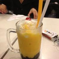 Photo taken at Bubble Republic Tea House 奶茶黨部 by Patrick B. on 3/3/2012
