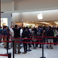 Photo taken at Apple Cherry Hill by Tony.psd on 9/20/2013