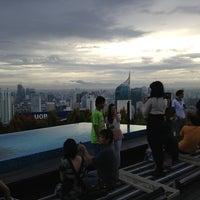 Foto tirada no(a) SKYE por Mohd S. em 12/30/2012