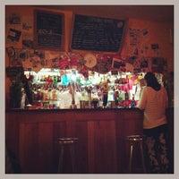 Das Foto wurde bei Bar Loco von Ayaka I. am 1/14/2013 aufgenommen