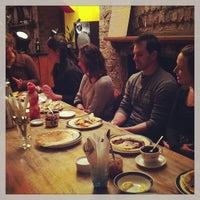 Das Foto wurde bei Bar Loco von Ayaka I. am 2/12/2013 aufgenommen