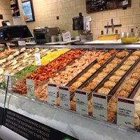 Foto tomada en Whole Foods Market por Marilena C. el 4/18/2013