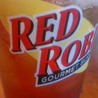 Photo taken at Red Robin Gourmet Burgers by T Michelle .. on 10/5/2012